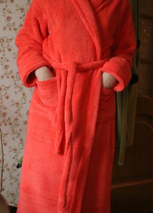 Халат махровый женский     теплый длинный с капюшоном