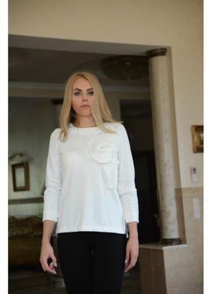 Белый женский свитшот