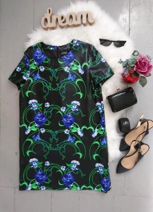 Актуальное виниловое платье прямого покроя №200