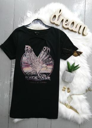 Актуальная футболка с принтом и вырезом №1max