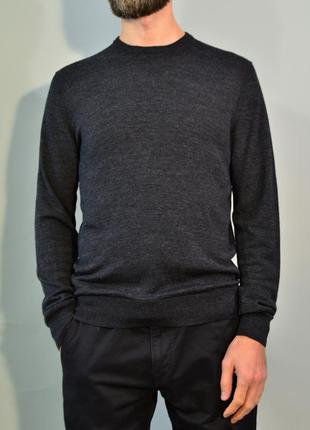 4176\60 тонкий свитер серого цвета uniqlo m