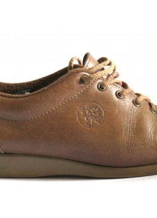 Стильные бежевые туфли