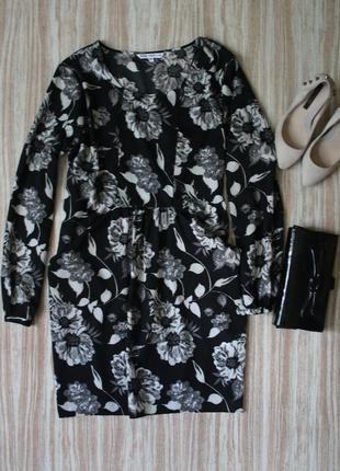 Легкое платье-туника в крупных цветах №122
