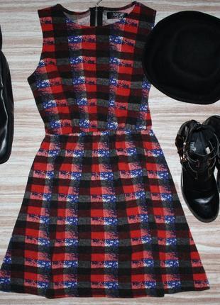 Стильное трикотажное платье в клетку №128