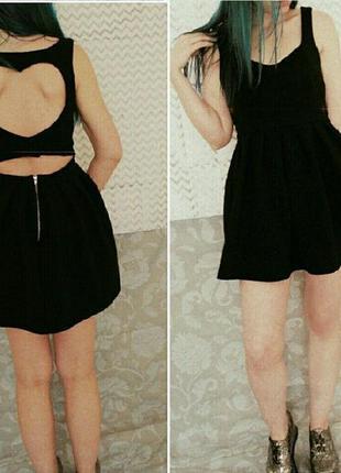 Милое платье в рубчик с сердцем на спине №114