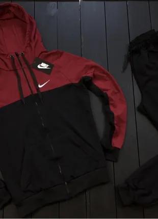 Спортивный костюм мужской Nike