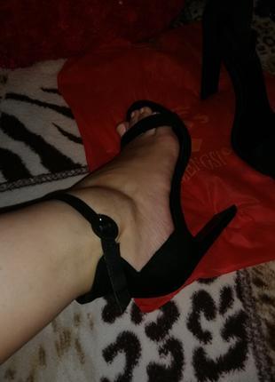 Босоножки на каблуке 👠👠