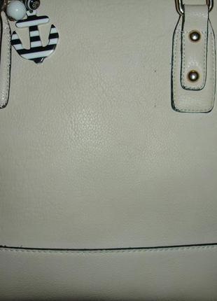 Фирменная большая сумка furla кремово-сливочного цвета
