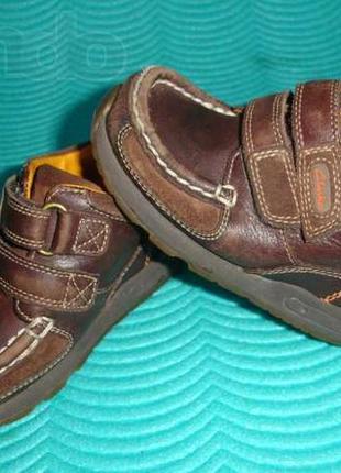 Фирменные clarks кожаные ботинки-мокасины для мальчика на 21 р...