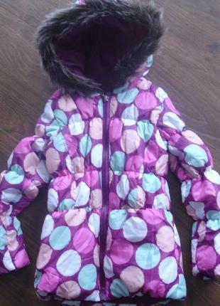 Фирменная яркая куртка девочке 4-5 лет в новом состоянии