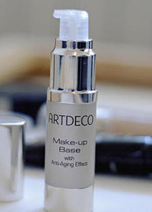 Розгладжуюча база під макіяж від artdeco