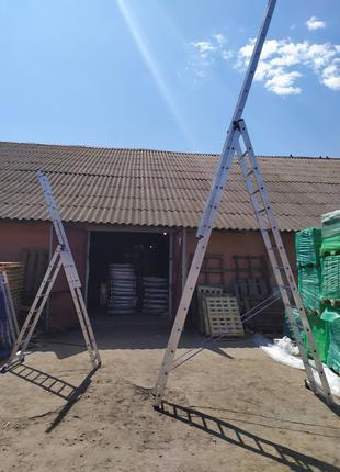Алюминиевая трехсекционная универсальная лестница 3 х 6 ступеней