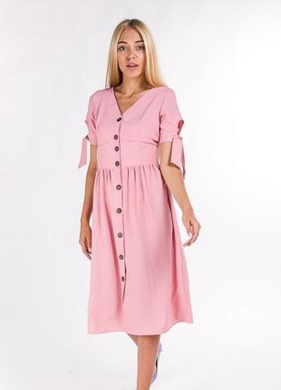Приталенное легкое платье с завязками на рукавах