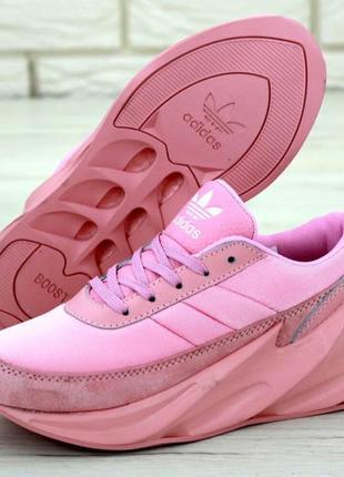 Женские розовые кроссовки адидас