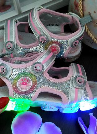 Модные сандалии босоножки с пайетками и подсветкой с 21 по 26 р-р