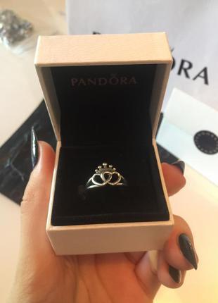 925 проба. серебряное кольцо pandora. сердца с короной