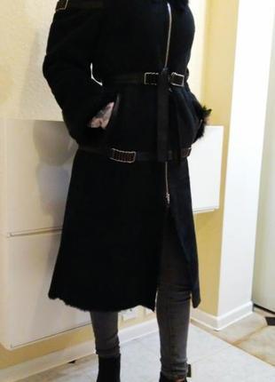 Дубленка длинная женская с высоким воротником Б/У черного цвета н