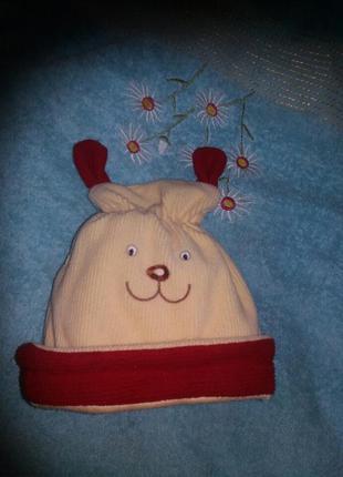 Модная шапка до года теплая двойная с вышитой мордочкой