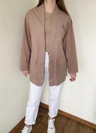 Плащ, пиджак, піджак, куртка, с объемными карманами, з об'ємни...