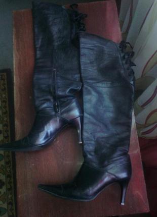 Кожаные ботфорты кожа шевро, узкий не длинный носок,стопа 25см...