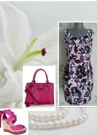 Платье футляр летнее разноцветное в цветы