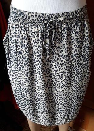 Легкая юбка в актуальный принт