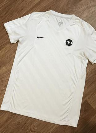 Крутая футболка от nike total 90 adidas new balance reebok fil...