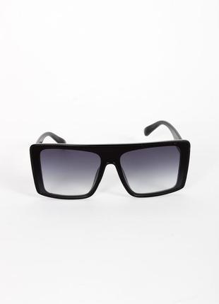 Черные прямоугольные очки солнцезащитные