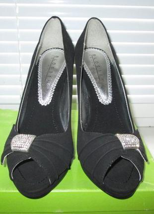 Шикарные туфли,р.38!!! +стразы сваровски!!!