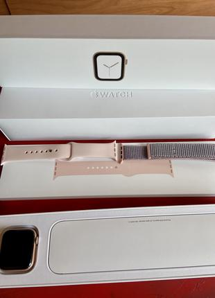 Apple Watch Series 4 40mm Gold Aluminum Case with Pink Sand Sport