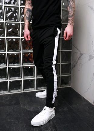 Мужские штаны с лампасами