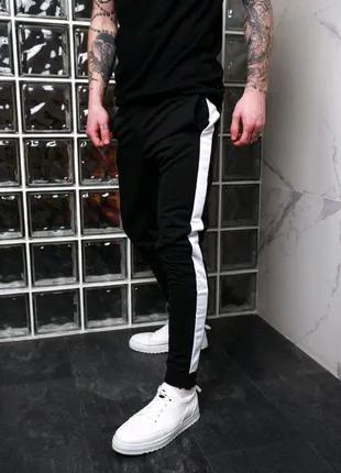 Чоловічі штани з лампасами