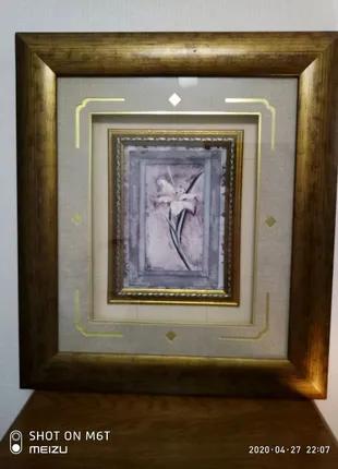 Картина под стеклом в деревянной раме