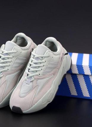 Кроссовки мудские adidas yeezy 700