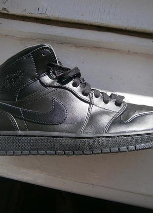 Кроссовки для баскетбола nike air jordan 1 mid оригінал