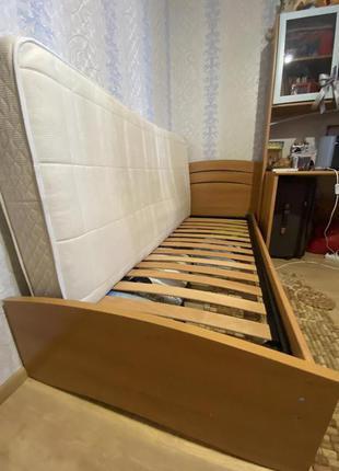 Односпальная кровать б/у