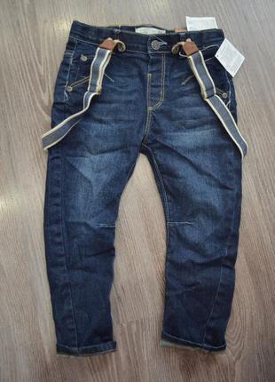 Детские штанишки джинсики на мальчика синего цвета фирмы zara.
