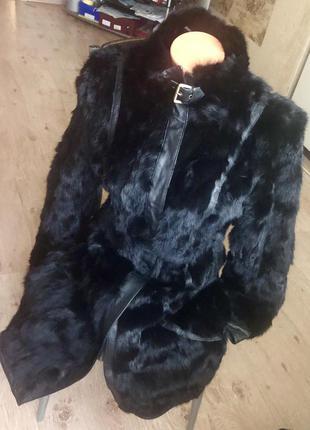 Новая удлиненная шуба из натурального меха кролика.