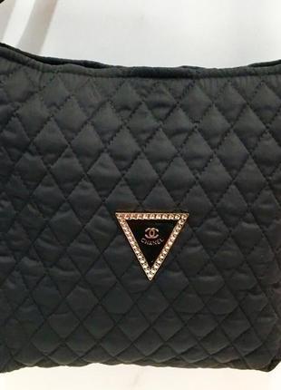 Стильная женская сумка на плечо.