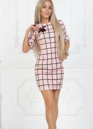 Новое женское платье в клетку.