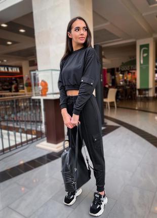 Спортивний жіночий костюм укорочена толстовка штани джогери