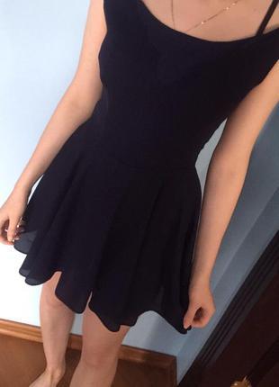 Летнее платье с юбкой клеш
