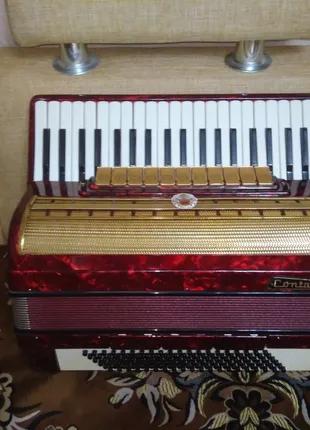 Німецький акордеон Contasina 4/4, повний.