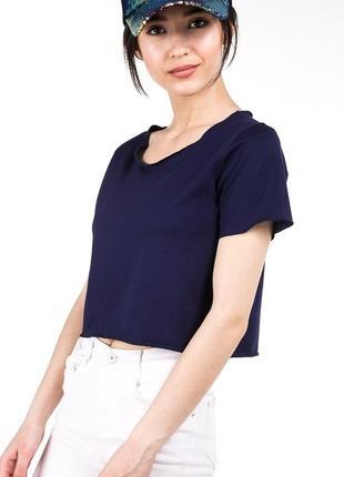 Универсальная укороченная футболка кроп-топ цвета