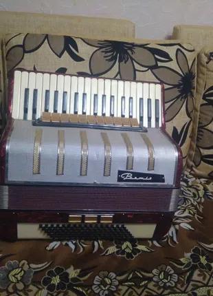 Німецький акордеон Premiera 7/8, на 96 басів.