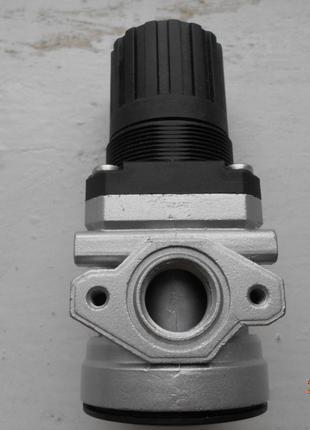 Продам новый регулятор давления Camozzi C1202 R00 Ду ½