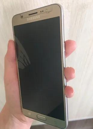 Телефон J710F Galaxy J7