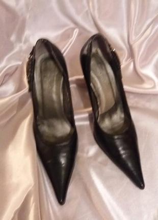 Нарядные туфли лодочки