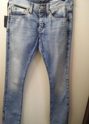 Распродажа мужского отдела джинсы италия