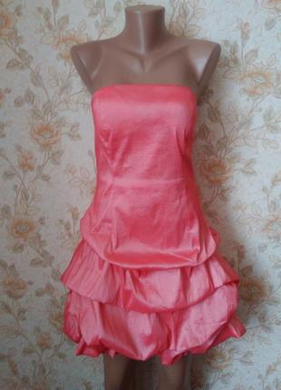 Красивенное платье кораллово-розового цвета,с золотистым отлив...